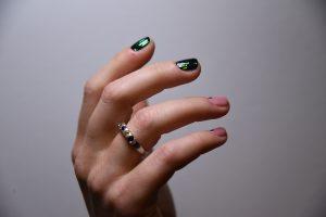 Geelilakkaus manikyyri espoo pedikyyri käsihoito jalkahoito BeNailed